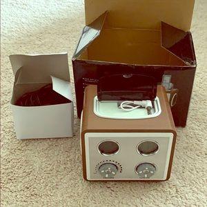 MP3 docking station alarm clock radio